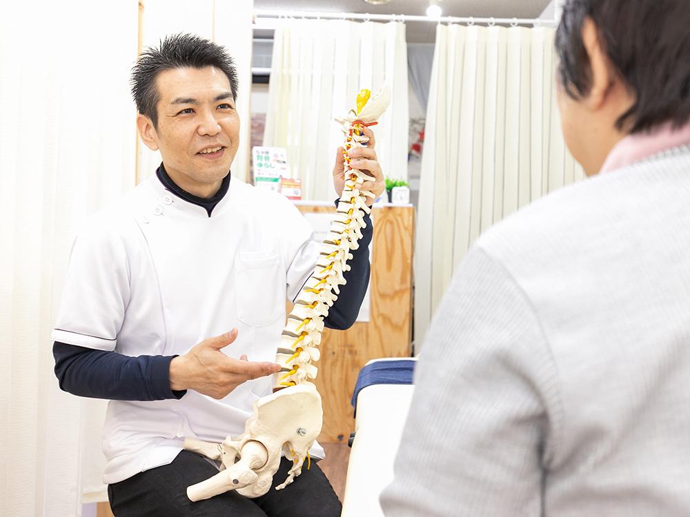 背骨を揺らすだけの施術法画像
